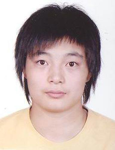 图文-北京奥运中国代表团成立 摔跤队队员王娇