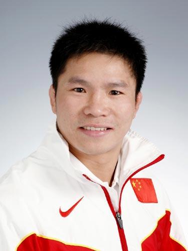 图文-北京奥运中国代表团成立摔跤队队员覃和