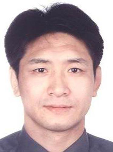 图文-北京奥运中国代表团成立 摔跤队队员斯日古楞