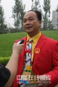 图文-北京奥运村举行开村仪式 举重队教练陈文斌