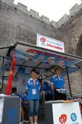 北京古城墙下的奥运元素