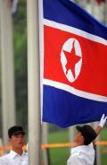 图文-朝鲜代表团举行升旗仪式 国旗这样被升起