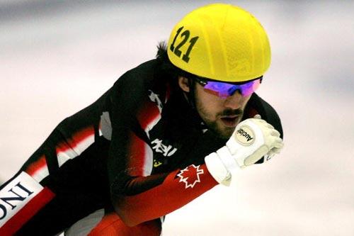 图文-短道速滑世界杯美国站大胡子哈梅林夺亚