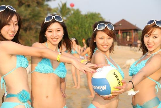 沙滩宝贝惊艳海滩写真