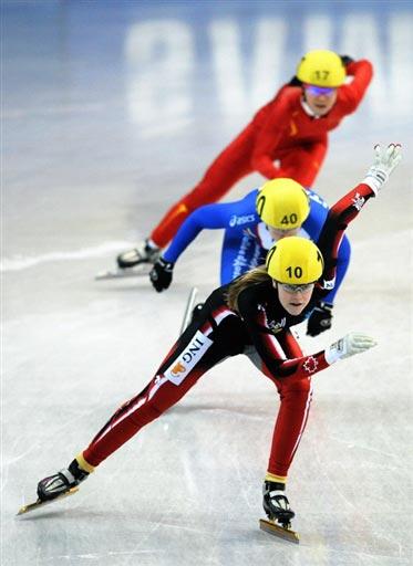 图文-女子500米加拿大选手摘金格里格一马当先