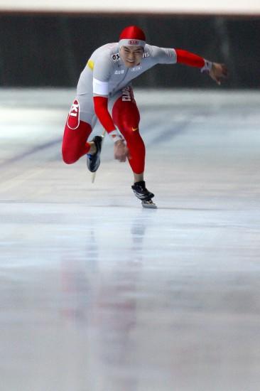 图文-大冬会男子速滑100米激战张耀霖全力突击