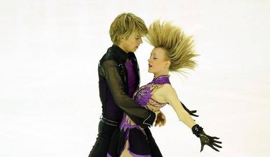 图文-大冬会冰舞规定舞赛况英国组合金发飘逸