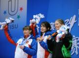 图文-大冬会女子个人15公里颁奖仪式俄罗斯揽冠亚