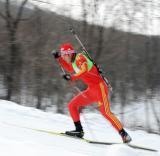 图文-中国选手男子短距离10公里赛况艰难前行
