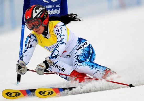 图文-大冬会女子大回转日选手夺冠顺势而下