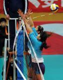 图文-全国女排联赛天津队第六冠标志杆变了形