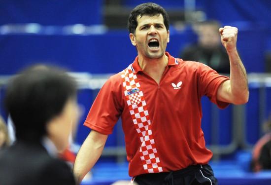 图文-世乒赛男子单打首轮激战普里莫拉茨庆祝晋级