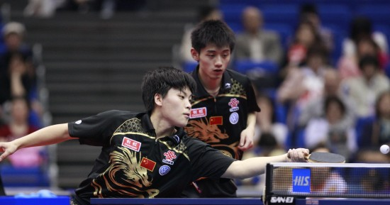 图文-世乒赛男双第三轮激战郝帅/张继科一攻一防