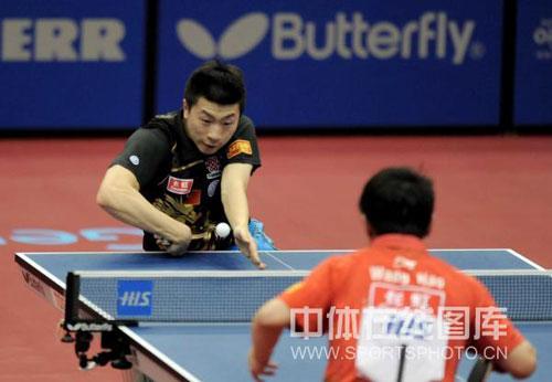 图文-世乒赛男单半决赛激战马龙主动发起进攻