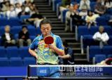 图文-世乒赛男单半决赛激战马琳失神的望着球拍