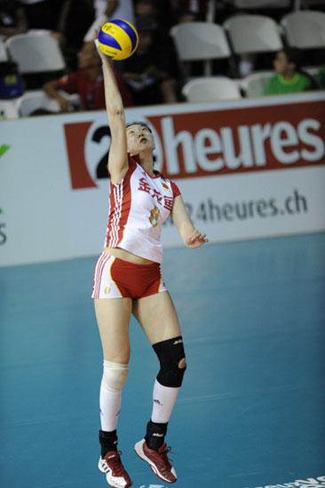 图文-瑞士精英赛中国女排3-2德国楚金玲大力跳发球