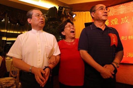 >  乒乓球 庄则栋七十寿宴在京举行 正文    8月25日,庄则栋(右),妻子