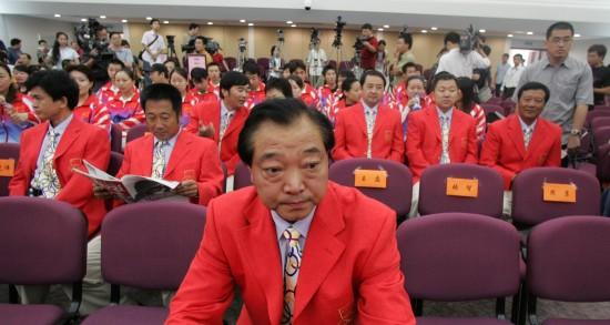 图文-许海峰:人生辉煌始于金牌雅典奥运发布会