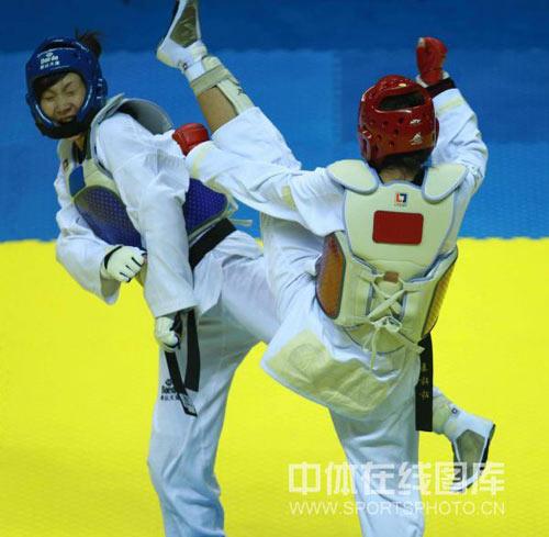 图文-十一运会跆拳道11日赛况姜玲玲偷袭遗憾踢空