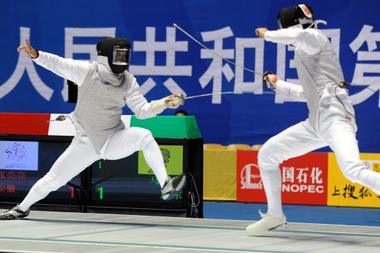 图文-全运会男子花剑张亮亮夺冠张亮亮步步紧逼