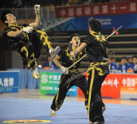 图文-全运武术套路男子对练决赛重庆队精彩表演