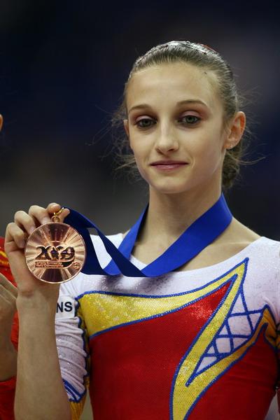 图文-体操世锦赛颁奖仪式高低杠季军波尔格拉斯
