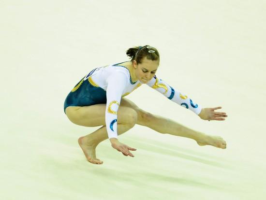图文-体操世锦赛18日决赛赛况米切尔发挥小心翼翼