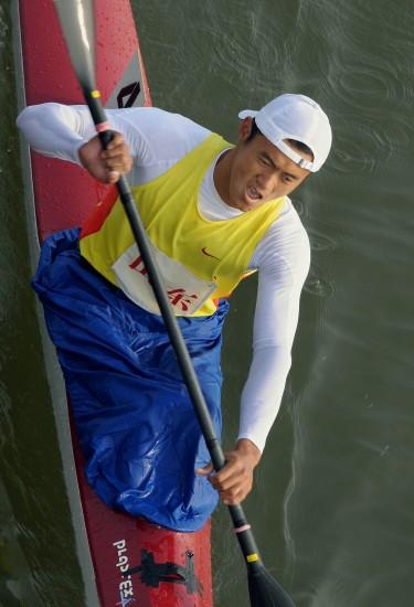 图文-男子单人皮艇1000米周玉波夺冠体力充沛