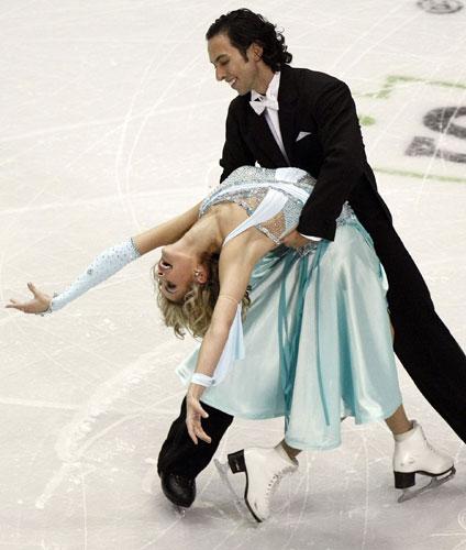 图文-花滑美国站冰舞规定舞贝尔宾柔韧性极佳