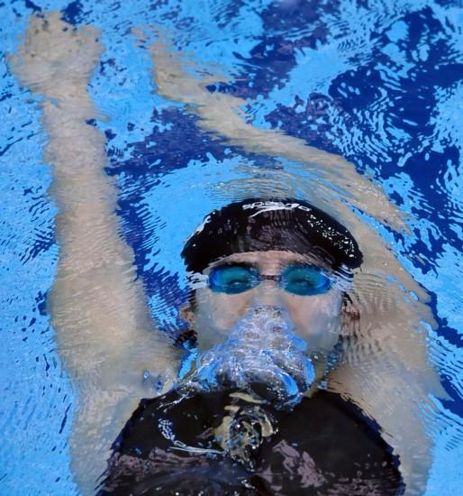 图文-游泳亚锦赛28日精彩瞬间徐田龙子在比赛中