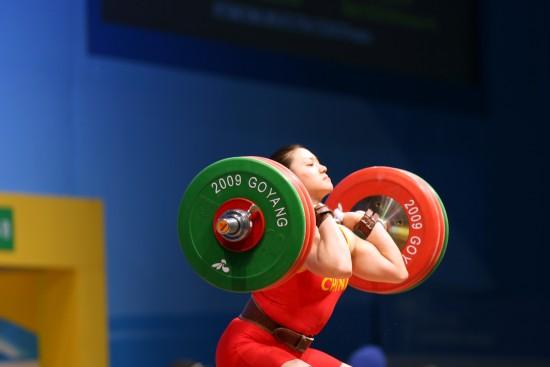图文-波多别多娃破75公斤3项世界纪录曹磊获三银