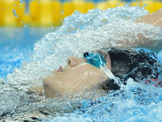 图文-中国队夺女子混合泳接力冠军中国选手在比赛中