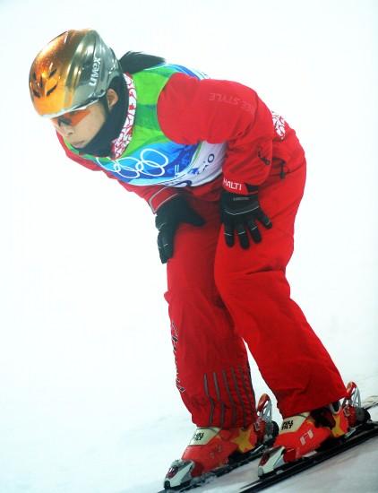 图文-自由式滑雪空中技巧决赛郭心心淡定滑行