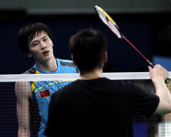 图文-中国国羽队备战汤尤杯鲍春来在指导下训练