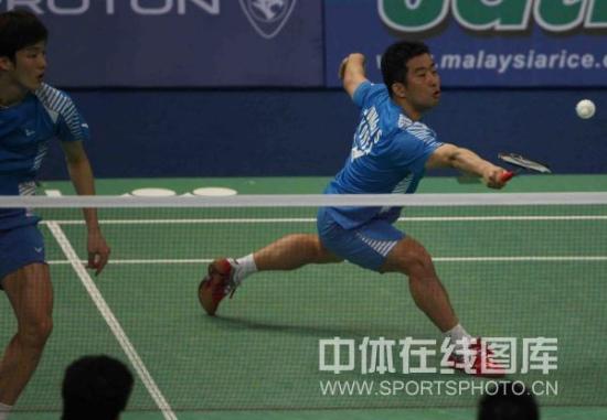 图文-汤姆斯杯1/4决赛中国vs韩国郑在成回球
