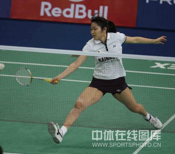 图文-尤伯杯韩国3-1日本闯入决赛广赖荣理子回球