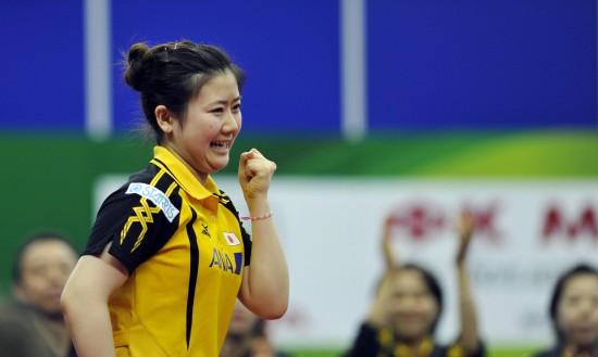 图文-[世乒赛]日本击败白俄罗斯福原爱庆祝胜利