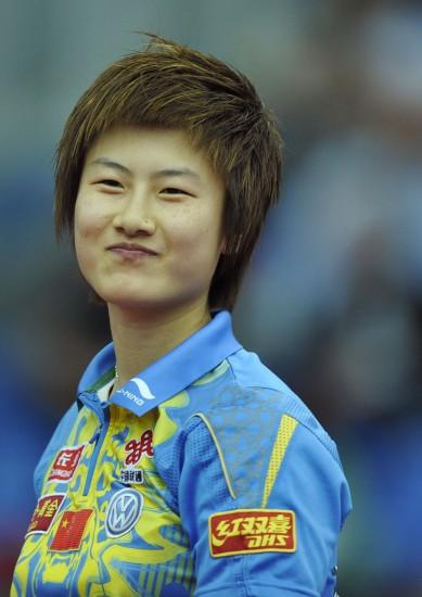 图文-世乒赛女团中国队晋级八强 丁宁可爱笑容