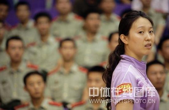 图文-乒超女团第12轮北京胜八一白杨留起长发