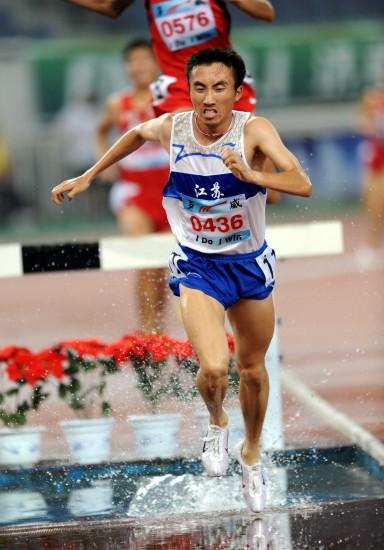 图文-全国锦标赛男子3000米障碍林向前夺冠