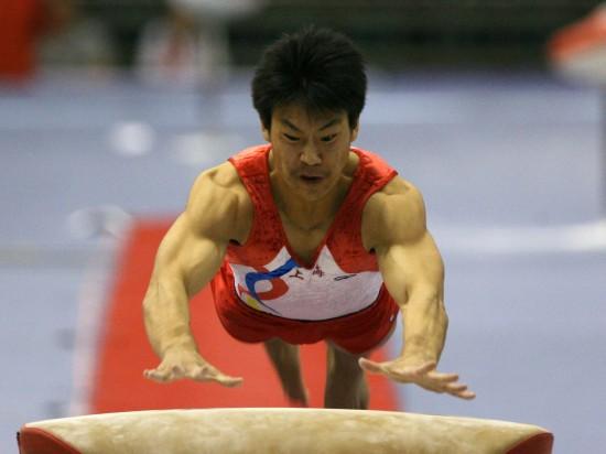 图文-全国体操锦标赛男子跳马赛况 上海选手张仲博