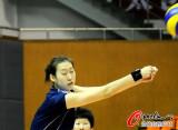 杨婕练习接球技术