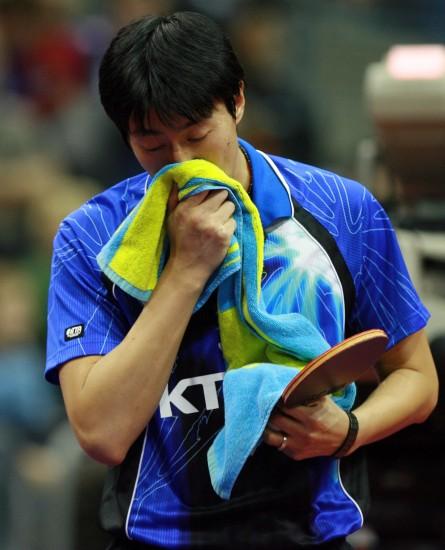 图文-[乒乓球]男子世界杯赛赛况吴尚垠难掩失望