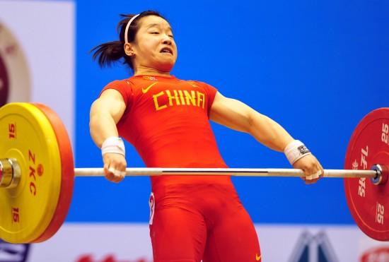 女子-全国图文v女子锦标赛纪静在53公斤级抓举健美操王菲图片