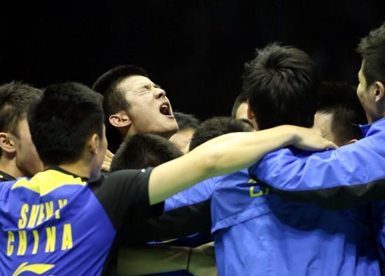 图文-中国队汤姆斯杯夺冠 中国队队员庆祝胜利