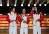 图文-中国女子坐式排球队获年度残疾人体育精神奖