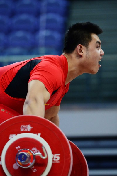 体育-男子全国综合锦标赛杨哲在举重中_比赛视频光阳赛艇s400i测评图文图片