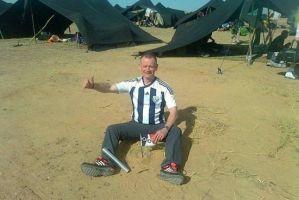 英国6旬盲人穿越撒哈拉 6天徒步跑260公里