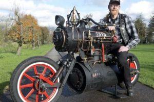 荷兰机车制造师造出蒸汽动力摩托车