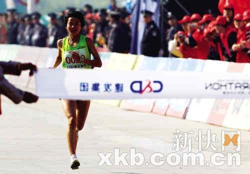 张莹莹夺冠同时力破赛会纪录海南姑娘期待奥运考验